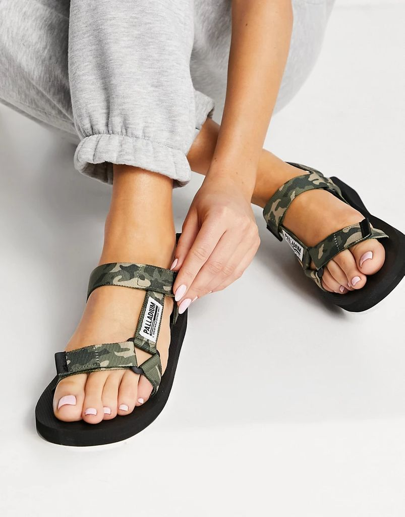 Outdoorsy Urbanity flat sandals in olive camo-Multi