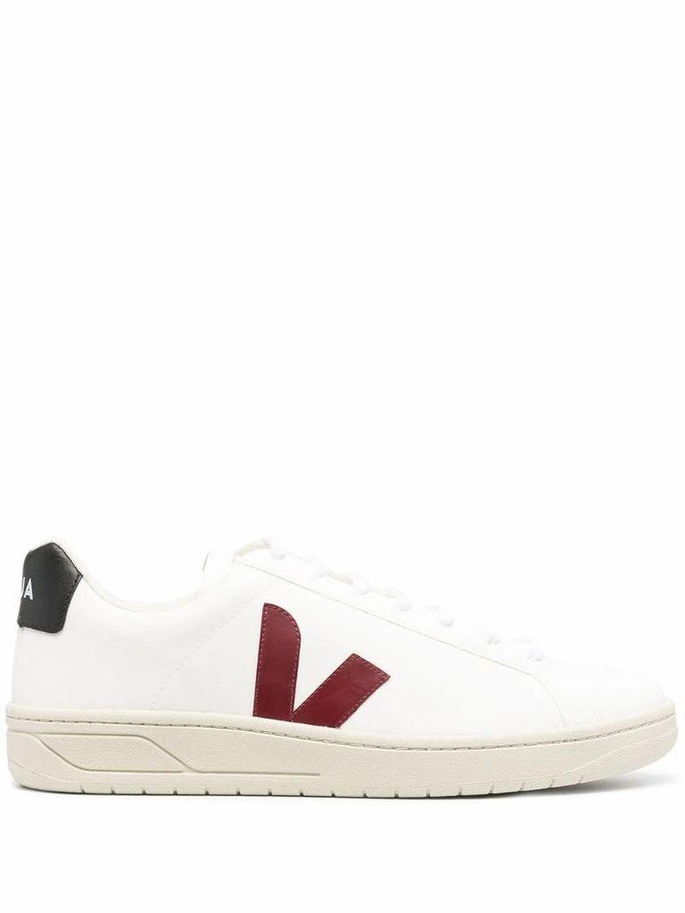 V-10 low-top sneakers