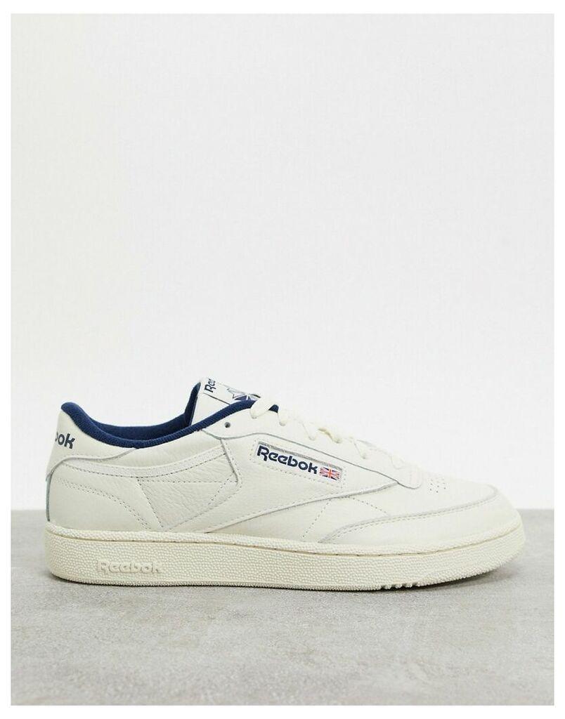 Club C 85 MU trainers in retro white